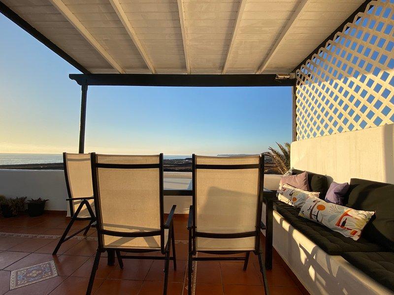 Casa Salinas del Mar-Apartamento con Terraza, location de vacances à Guatiza