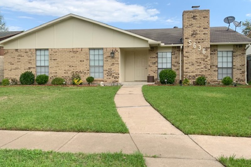 New listing! Dog-friendly home w/ a full kitchen & a private, outdoor pool!, holiday rental in Lake Dallas