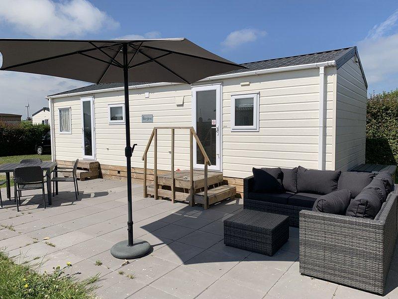Chalet Lynn - Oosterschelde Camping Anna Friso, holiday rental in Wissenkerke