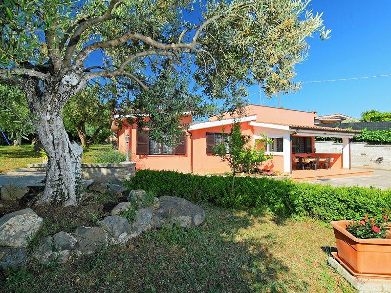 Villa Caiterzi, holiday rental in Aprilia