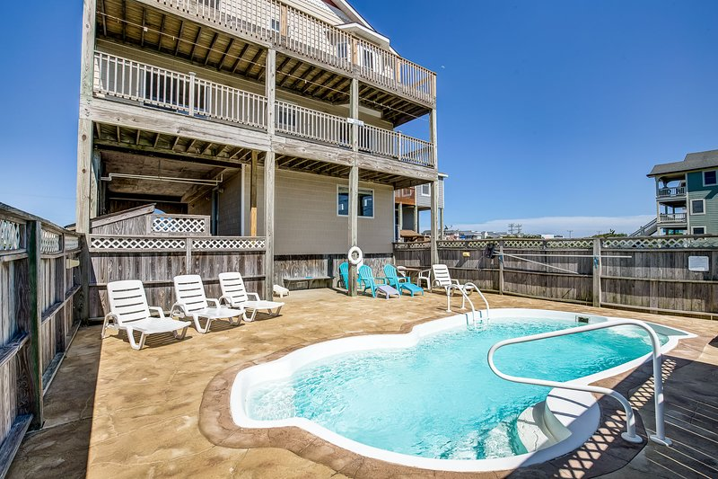 Blue Sky | 391 ft from the beach | Private Pool, Hot Tub | Nags Head, location de vacances à Nags Head
