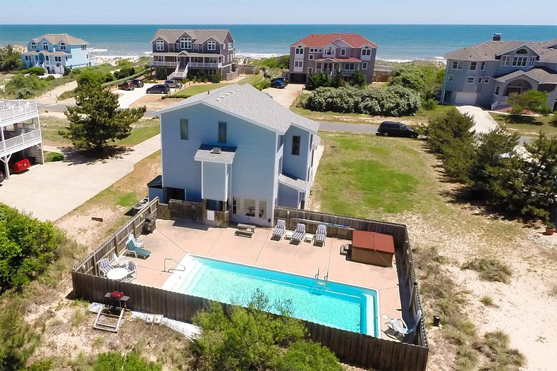 Judge's Chambers | 415 ft from the beach | Private Pool, Hot Tub | Corolla, alquiler de vacaciones en Corolla
