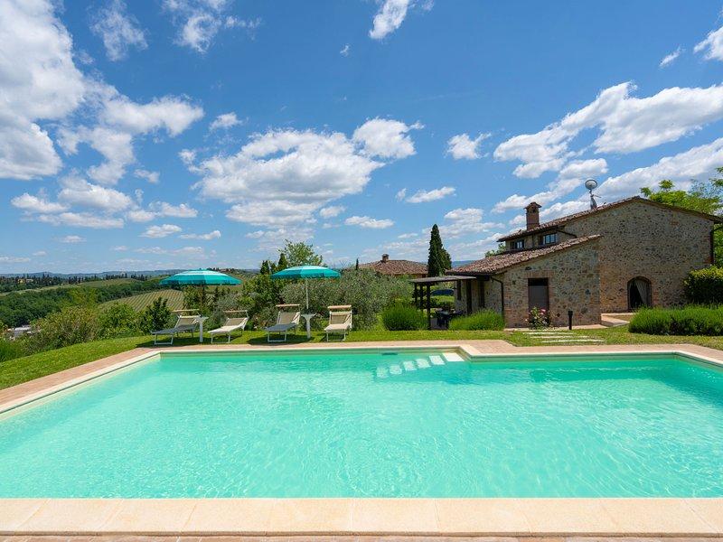 Alba, holiday rental in San Gimignano