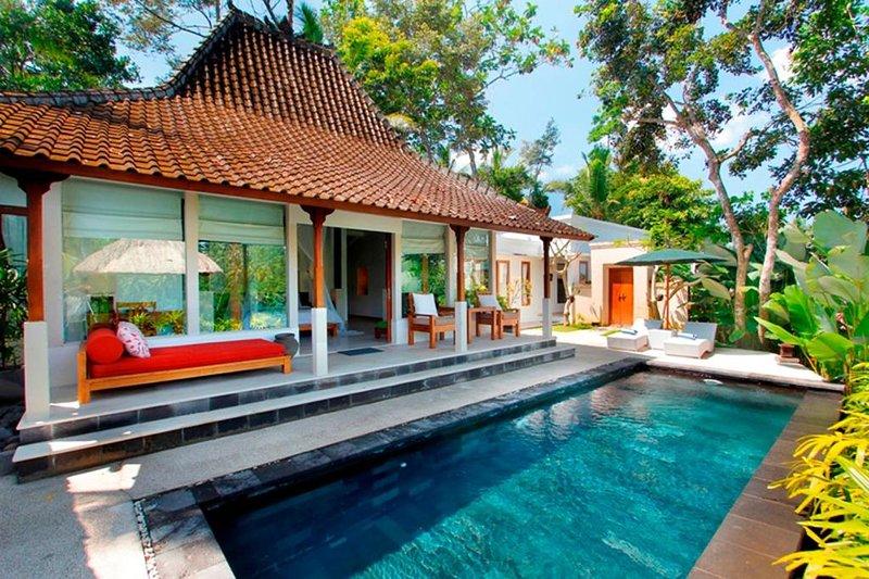 3 BR Villa W/ Back to Nature View - Breakfast  (al69), holiday rental in Kenderan