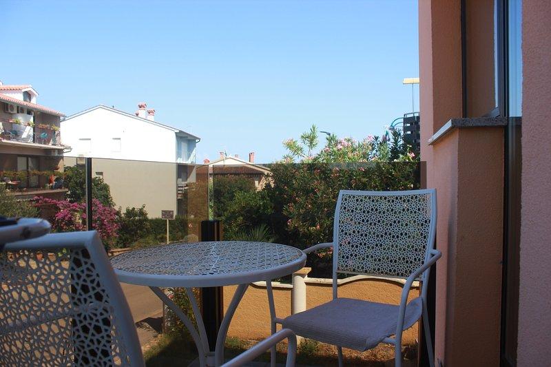 Sunset 2 - Balcony, One Bedroom Apartment, casa vacanza a Pomer