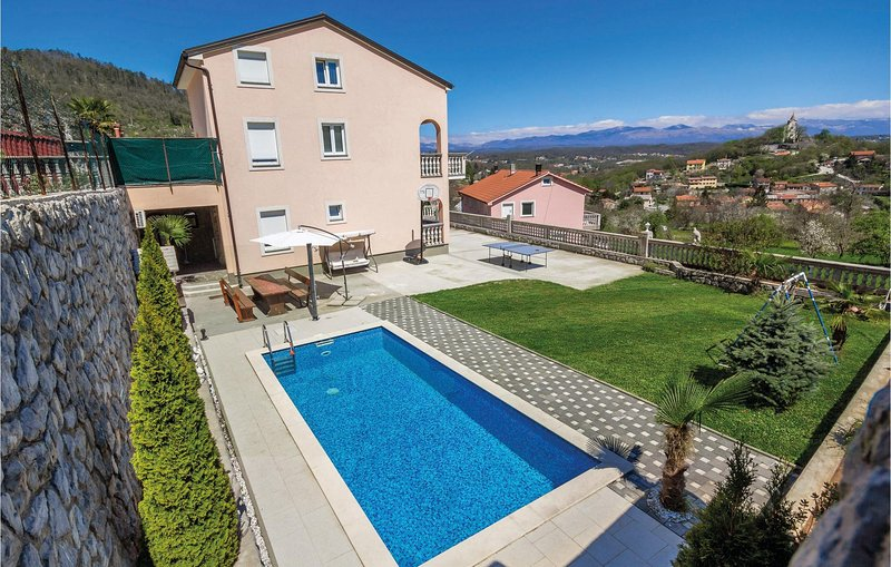 Awesome home in Rukavac with WiFi and 6 Bedrooms (CKO375), location de vacances à Matulji