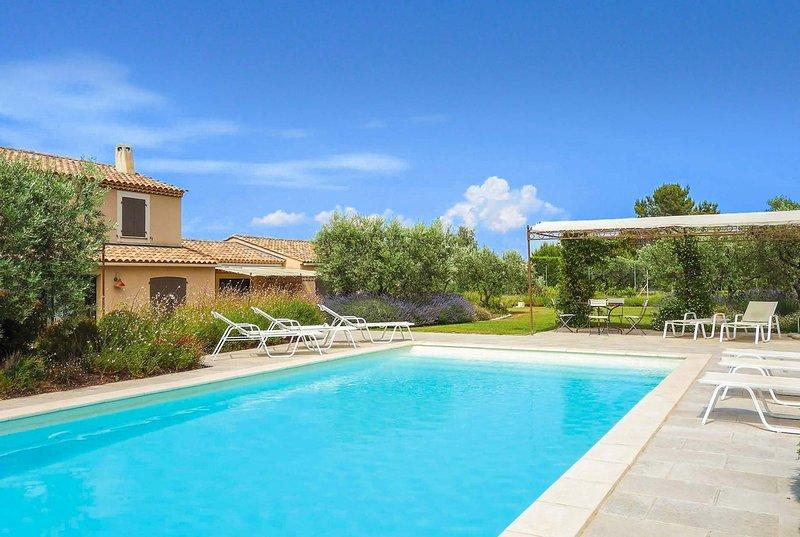 4bed villa w/great views and table tennis, aluguéis de temporada em Eygalieres