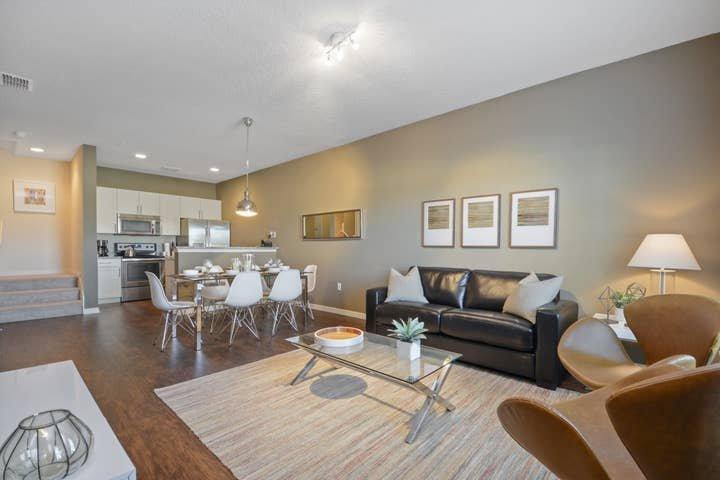 3 bedroom villa in the new West Lucaya Village, holiday rental in Walt Disney World