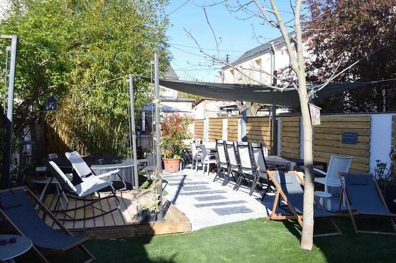 Gîte Familial - So Nice So Good Villa - ESCALE IDEALE ®, holiday rental in Ballan Mire