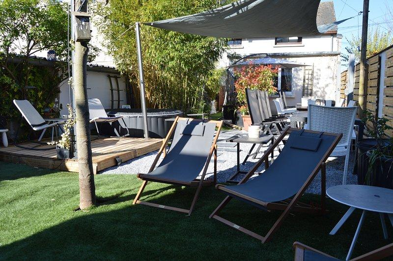 Gîte Familial - So Magical Village - ESCALE IDEALE®, holiday rental in Ballan Mire