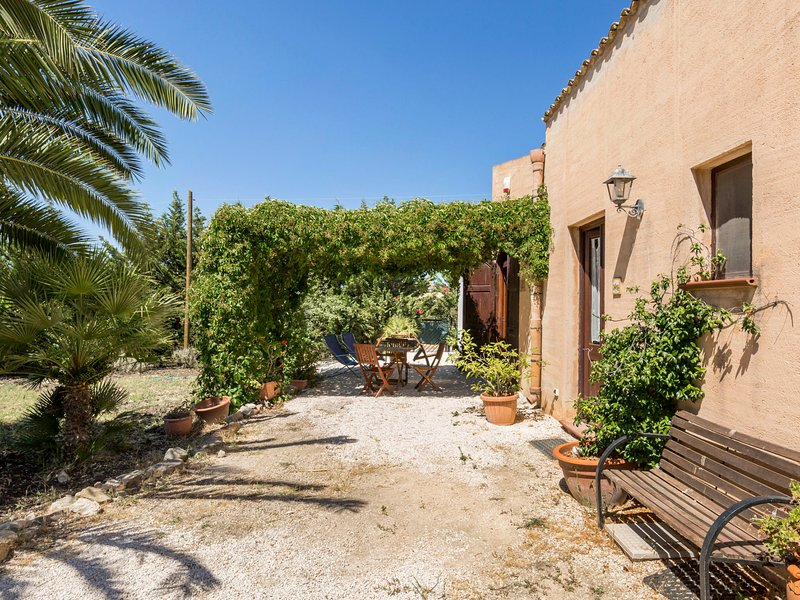 Mediterraneo, holiday rental in Dattilo