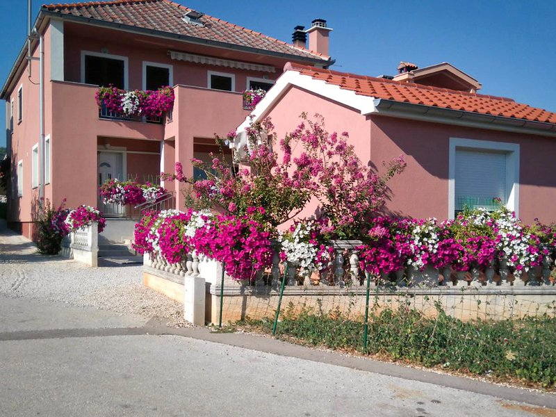 Nina, holiday rental in Posedarje