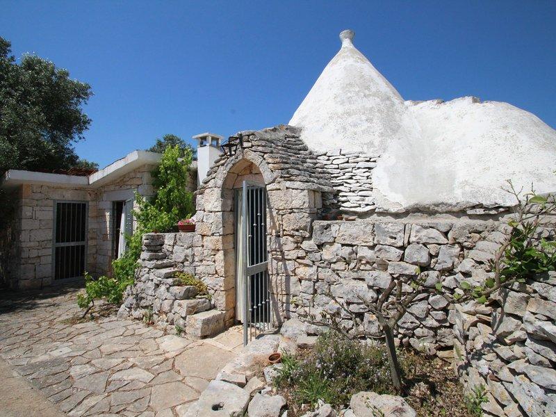 Trullo Selva - BR*****************, holiday rental in Villa Castelli