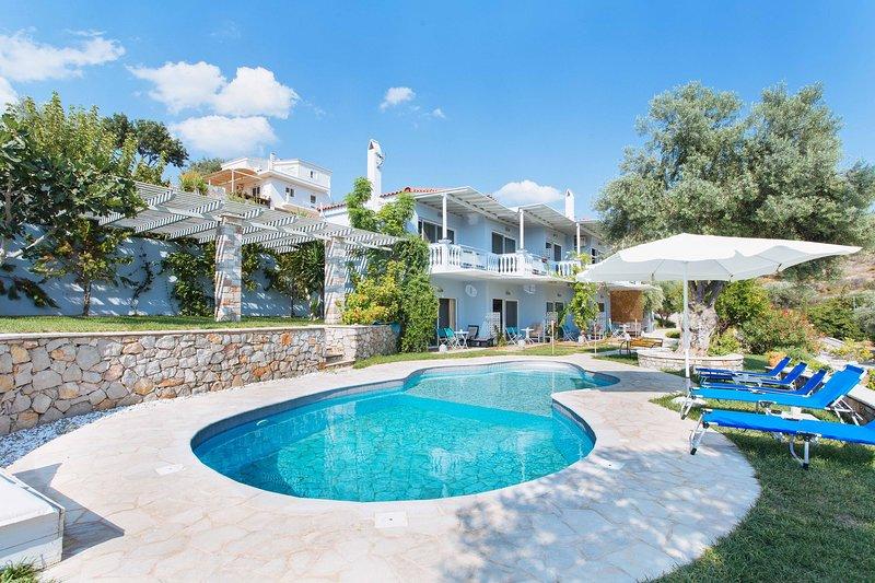Sunny Place Resort, vacation rental in Porto Heli