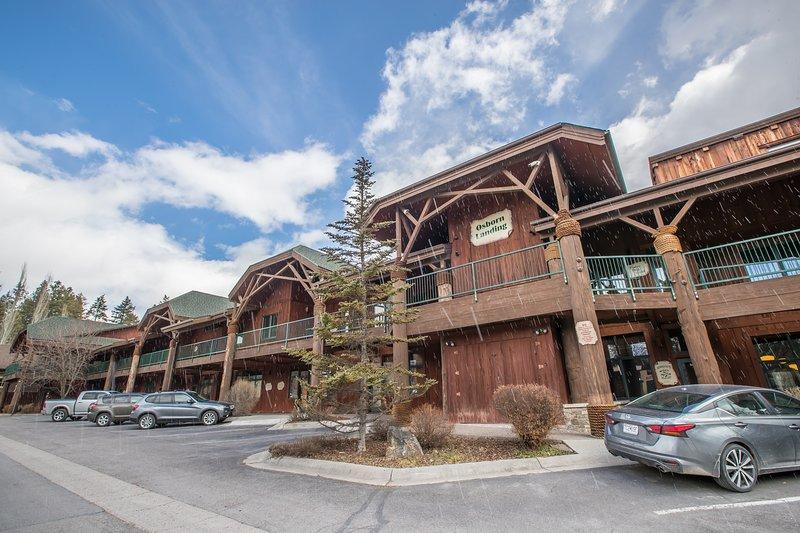 Flathead Valley - BF - Qwk-wa-tah, holiday rental in Woods Bay