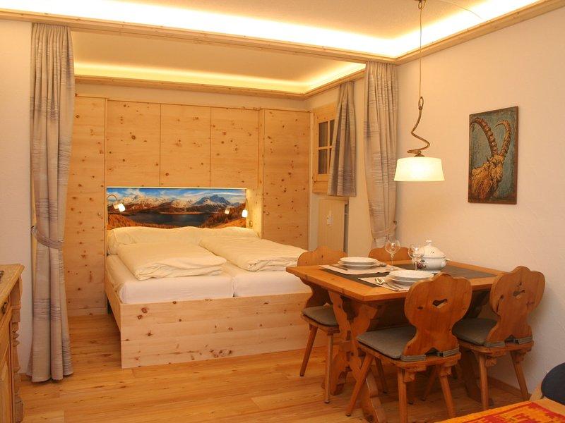 Chesa Alvetern 5, vacation rental in Caspoggio