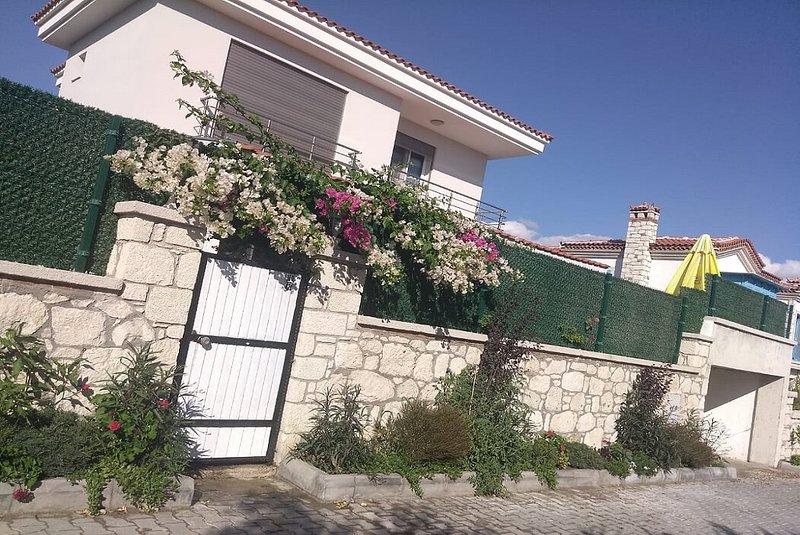 Villa Joli 4+1, Alaçtı/İzmir, holiday rental in Cesme
