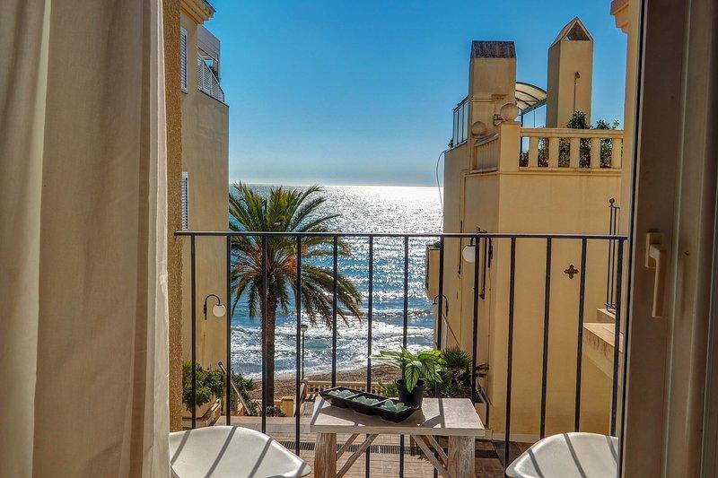 La Marina Sea Front Apartment, holiday rental in Garraf
