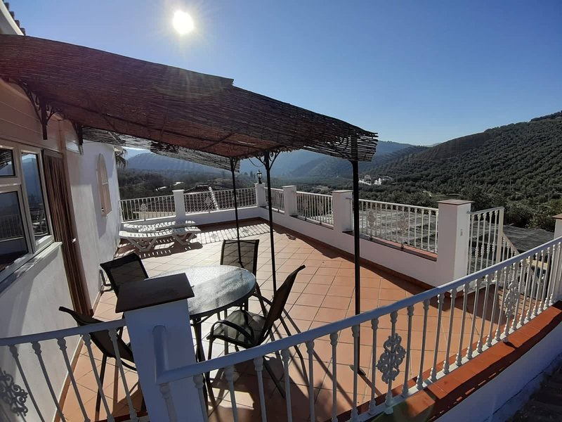 Luxury Roof Terrace Apartment, holiday rental in Riofrio