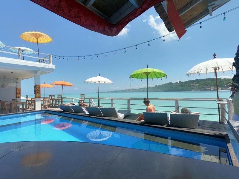 Nusa Lembongan Ocean 6 adult Private Beachfront, casa vacanza a Nusa Ceningan