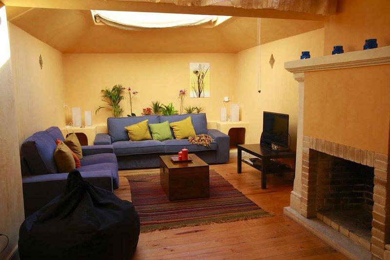 Gennaria Villa, Principe Real, Lisbon, !New!, holiday rental in Montijo