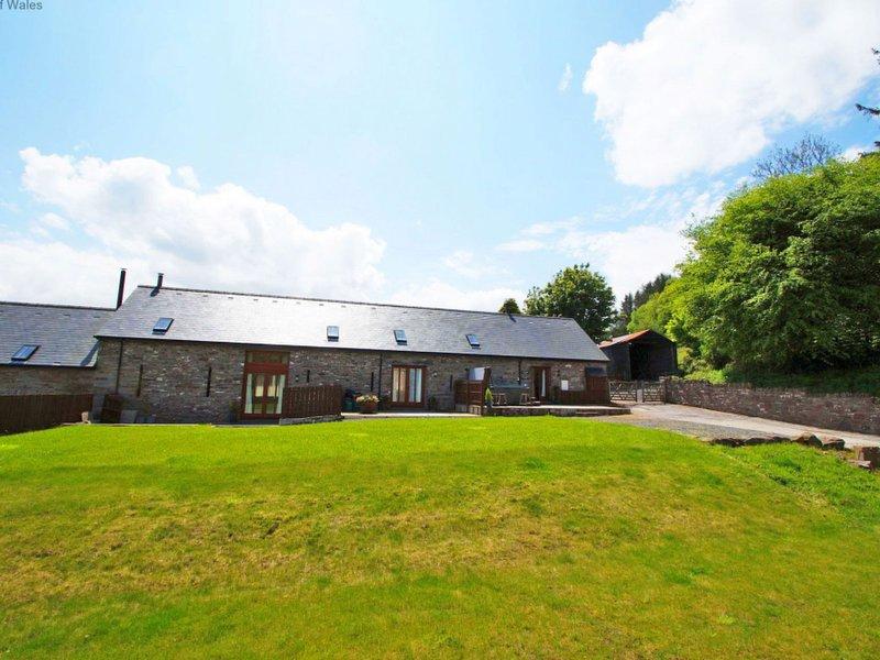 Sgubor yr Onwydden, vacation rental in Trecastle
