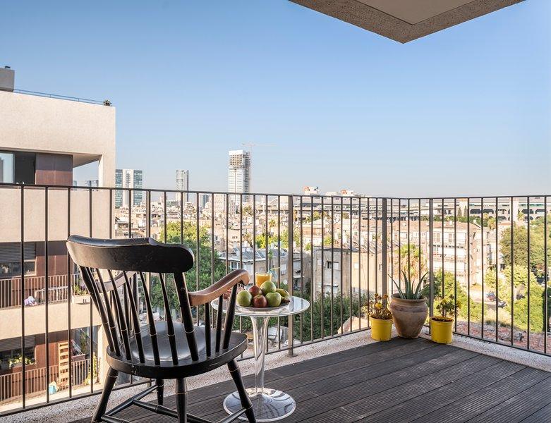 Brand New Boutique Apt w/ Balcony & City View, vacation rental in Beit Dagan