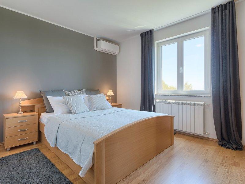 Eugen, holiday rental in Grabri
