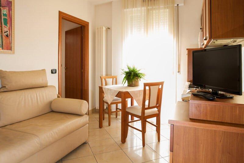 Appartamento a Marina Centro In zona tranquilla e centrale a due passi dal mare, holiday rental in Rivazzurra