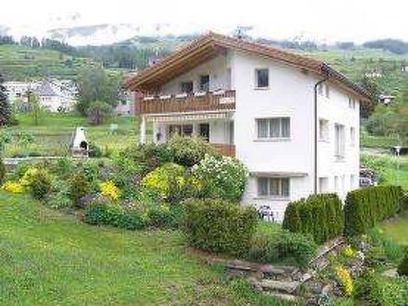 Ferienwohnung Chasa Schmidt, holiday rental in Tarasp