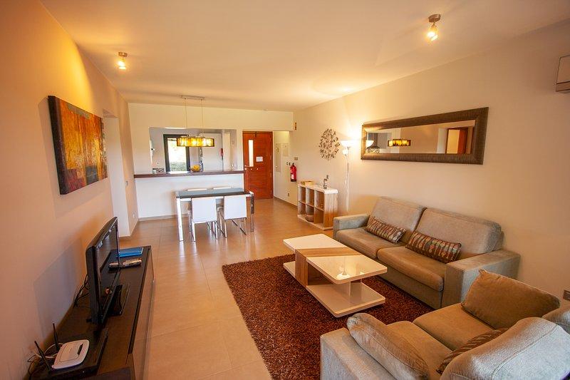 Porto Dona Maria, holiday rental in Almadena