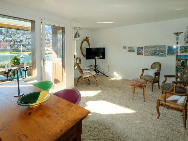 Seewohnung 2, location de vacances à Muelenen