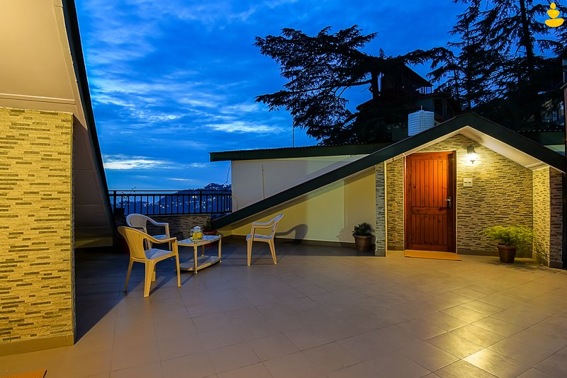 LivingStone Dyerton Homes, holiday rental in Shimla