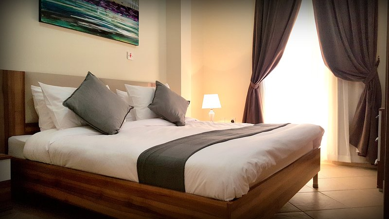 Emerald Suites #8, holiday rental in Doha