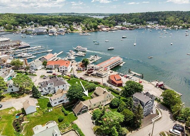 New Listing! All-Suite Boothbay Harbor Home w/ Deck, Water Views & Fireplaces, holiday rental in Capitol Island