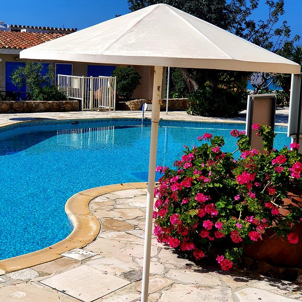 Trimithea Gardens, 3 bedroom house, holiday rental in Empa