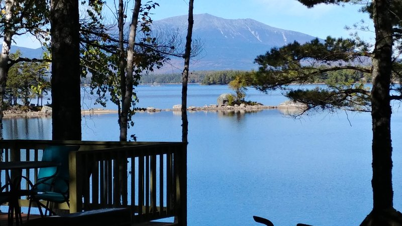 Katahdin View Cabin Hidden on Ambajejus Lake Near Baxter State Park w Sand Beach, holiday rental in Medway