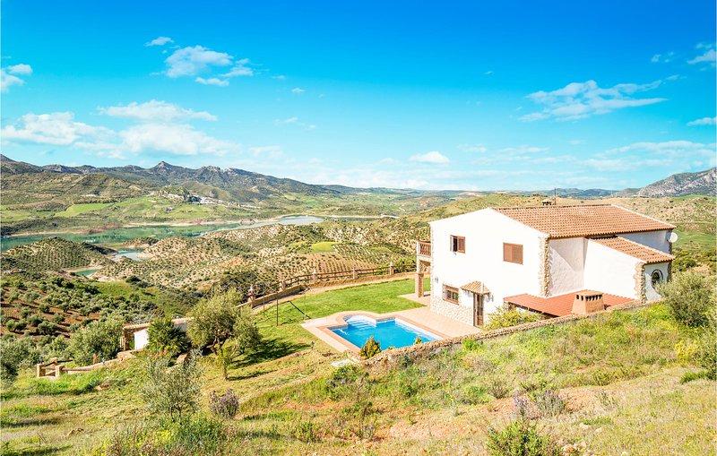 Amazing home in El Gastor with WiFi and 4 Bedrooms (EAC274), holiday rental in El Gastor
