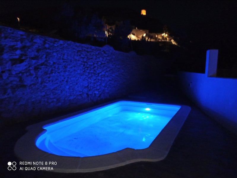 Casa rural, Sombra de la Atalaya con piscina privada, aluguéis de temporada em Nijar