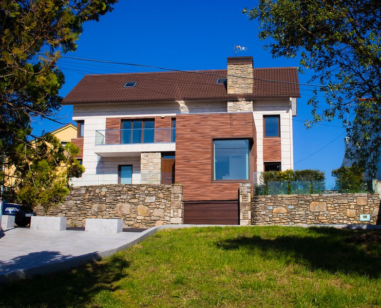 CASA FEITIÑA: vistas al mar, moderna y funcional, vacation rental in Illa de Arousa