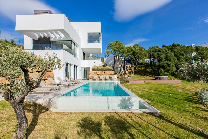 Spectacular Villa CONDOR in Monte Mayor - RDR194, holiday rental in Benahavis