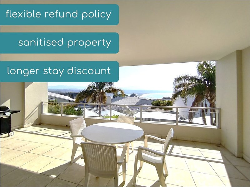 Joan's Central Apartment, ♥ Private Large Patio, ★ Sea Views, holiday rental in Plettenberg Bay