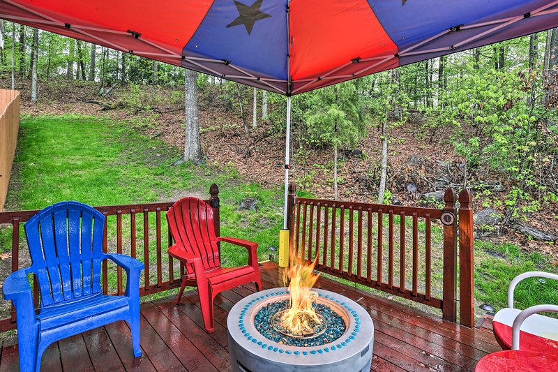 Secluded Avinger Cabin < 1 Mi to Lake O' The Pines, holiday rental in Avinger