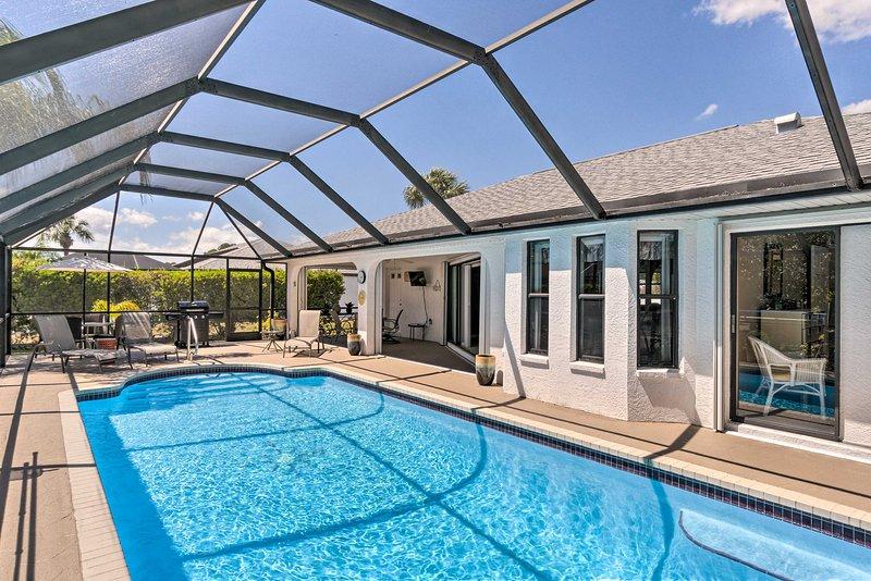 Modern House < 5 Miles to Port Charlotte Beach!, casa vacanza a Murdock