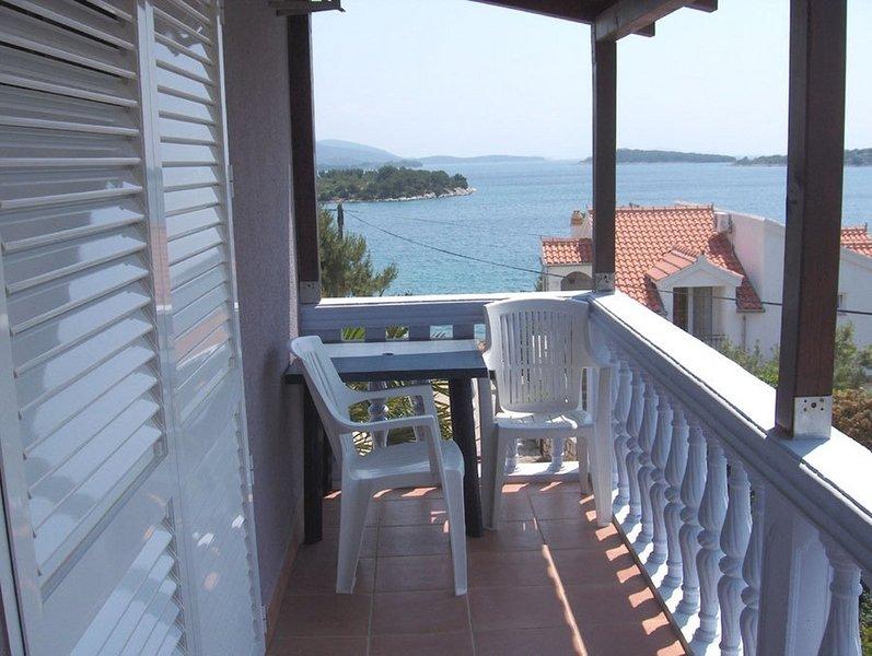 Lapa - 40 m from beach: A1 Nada (2+1) - Jezera, casa vacanza a Jezera