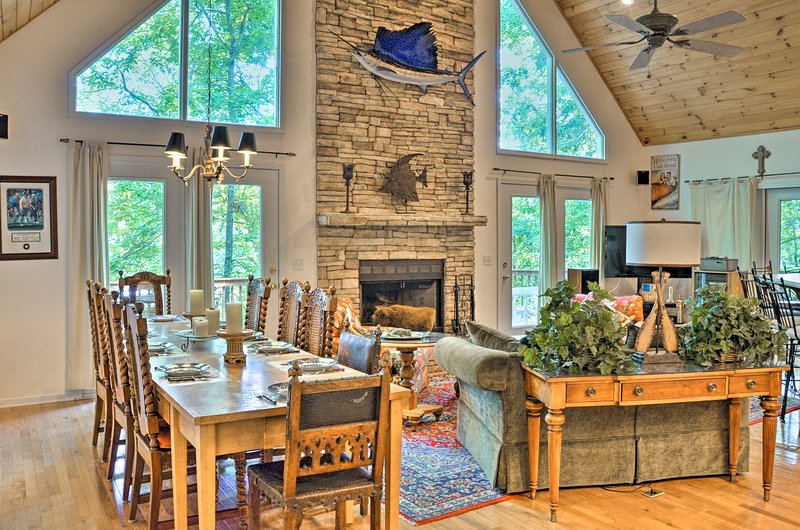 This home in Hartwell sleeps 10 across 4 bedrooms and 2 bathrooms.