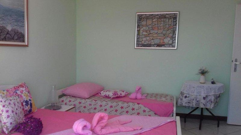 Two bedroom apartment Sveti Juraj, Senj (A-18190-a), location de vacances à Sveti Juraj
