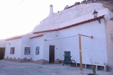 CASA-CUEVA: EMILIO EL MUNICIPAL, vacation rental in Cuevas del Campo