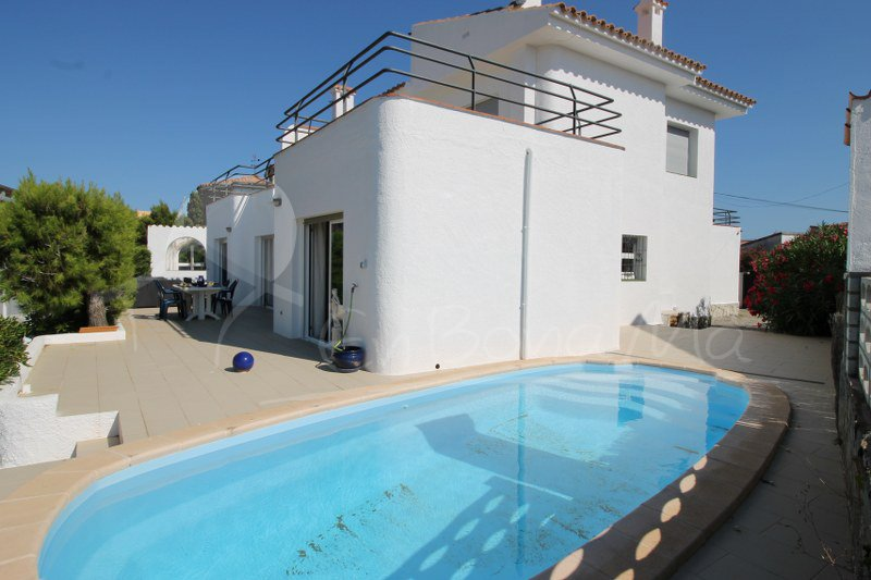 Casa Canal-14- Roses, amarre y piscina privados, holiday rental in Roses