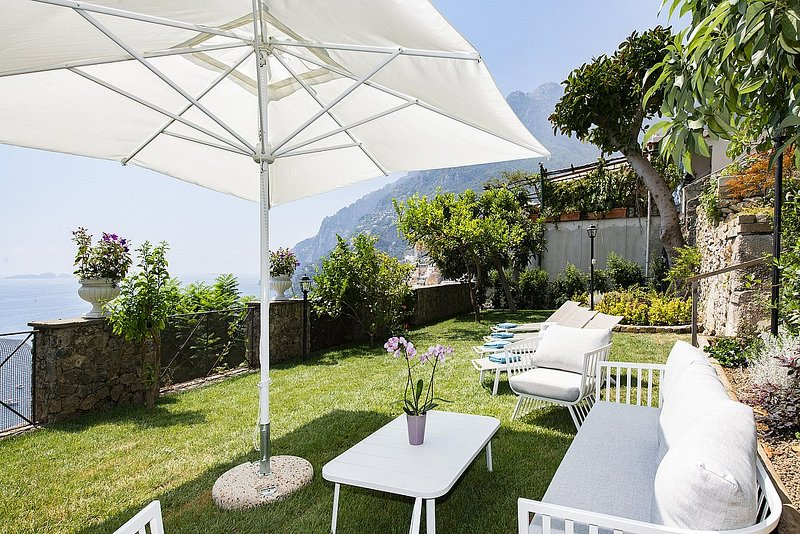 Positano Villa Sleeps 8 with Pool Air Con and WiFi - 5398085, holiday rental in Montepertuso